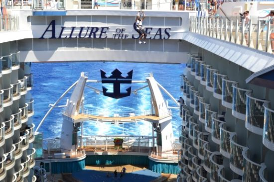 Zip line en el Allure of the Seas. Foto Gregorio Mayi