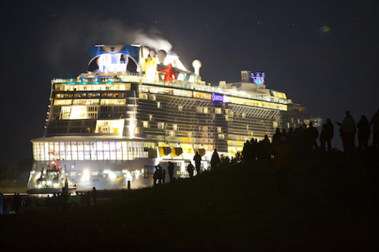 "Quantum of the Seas, durante el proceso del ""conveyance"". Foto: Royal Caribbean"