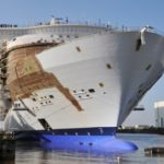 "Exitoso ""float out"" del Harmony of the Seas"