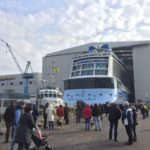 "Fotos del ""float out"" del Ovation of the Seas"